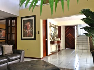 Dorado house photo - Living room and foyer