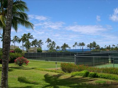Lovely landscaped ground and 9 tennis courts (small court fee)