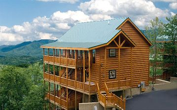 Pigeon Forge cabin rental - Bashful Bear Exterior View with Ample Parking