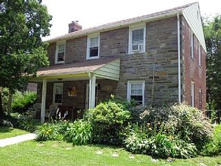 Charming single home on the philadelphia homeaway for Cabin rentals near philadelphia