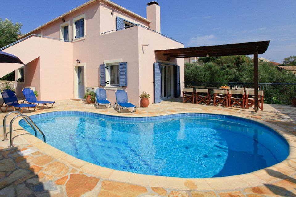 Villa priv e avec piscine pr s de fiscardo tavernes et for Securite piscine privee