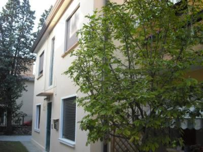 Apartment entrance, private parking, 10-15 minutes from Venice