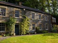Beautiful country house in village, ideal base to explore Edinburgh and Borders