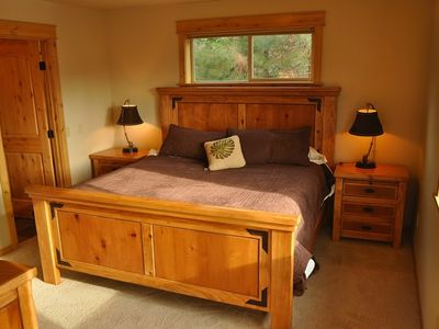 Lake Cle Elum house rental - Master Bedroom - Master Bedroom on Main Floor with King Bed.