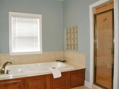 Master suite bath with jetted tub, double vanity