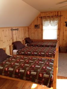 Moorefield cabin rental - Third floor Family room