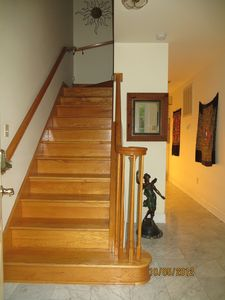The foyer. Remember before renting, two sets of stairs...