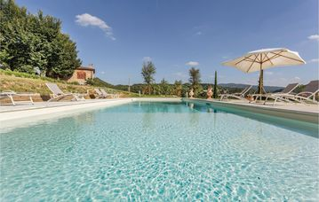 6 bedroom accommodation in San Piero a Sieve FI