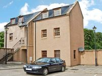 MARY WELL APARTMENT, romantic, with open fire in Elgin, Ref 21497
