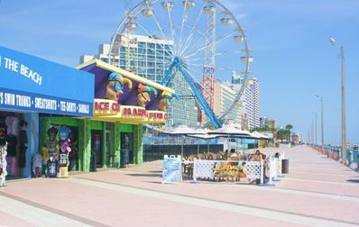 Boardwalk & Amusements Nearby