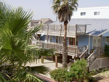 Port Aransas house rental - The Blue Roost is waiting for you! Comfortable and close to the beach and town.