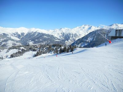Many ski terrains: Beaver Creek, Arrowhead and Vail. Bowls, runs and trails.