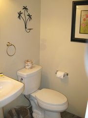 La Quinta condo photo - Powder Room Downstairs