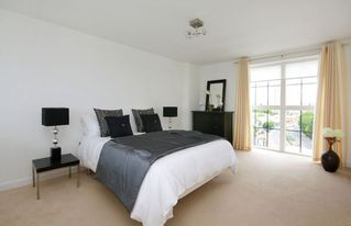 Putney & Wandsworth apartment photo - bedroom