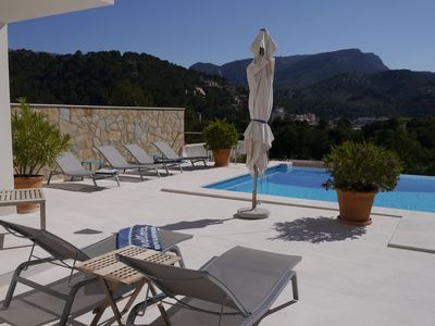 Villa with Pool, Sea & Mountain Views, 3 Bedrooms & Bathrooms, Air-Condition