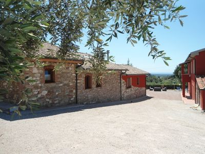 New apartments with sea views and beach 6 km. Natural olive oil, wine