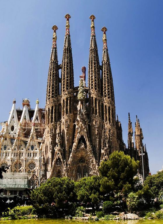 FROM OWNER - Safe area, walking distance to Barcelona highlights!