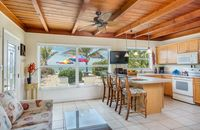 Terrific Beachfront Cottage, ON the BEACH. Pet Friendly. Walk to restaurants!