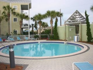 Beach Pointe townhome photo - pool