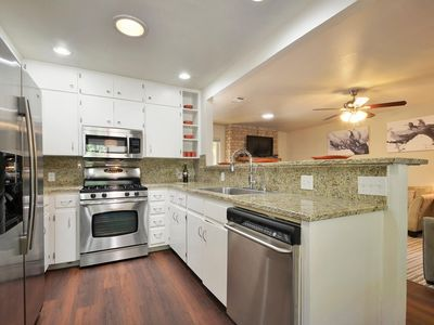 Fully equipped kitchen to feast and entertain!