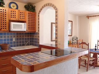 Puerto Aventuras condo photo - Kitchen - feat. digital ceramic glass cooktop