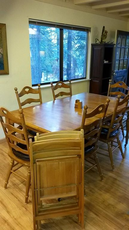 Dining room with 6 chairs + 4 more folding chairs if the whole crew is eating.