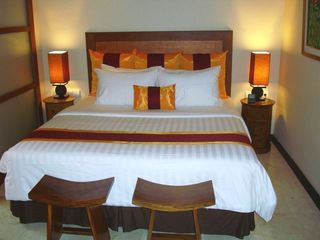 500TC bedding and down pillows. - Candidasa villa vacation rental photo