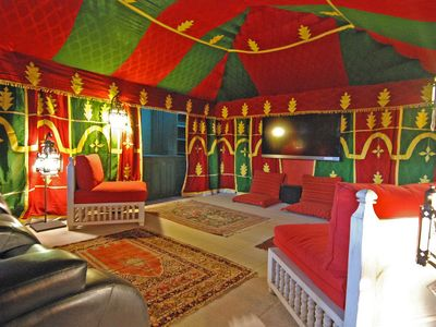 Luxurious Sleeps 6 With Bedouin Tent, Fireplaces And Terraces