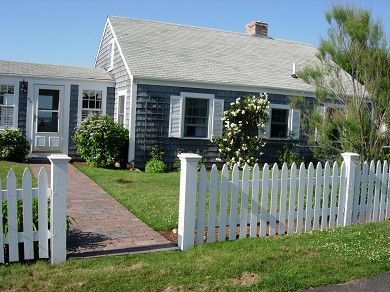 Cape Cod Cottage in Historic Kings Highway district