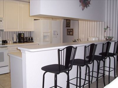 Kitchen with Counter & Stools