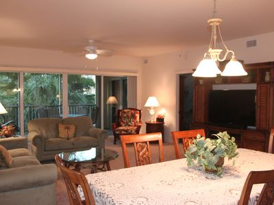 Fort Myers Beach condo rental - Spacious Living area right off of Kitchen