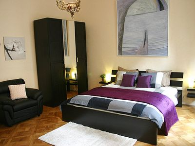 Prague 2 - Vinohrady apartment rental - Spacious tranquil bedroom with a king size bed