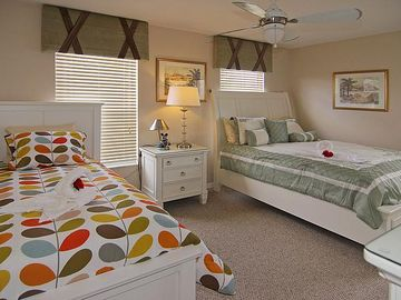 Family Suite (Left: Twin bed, Right: Queen bed)