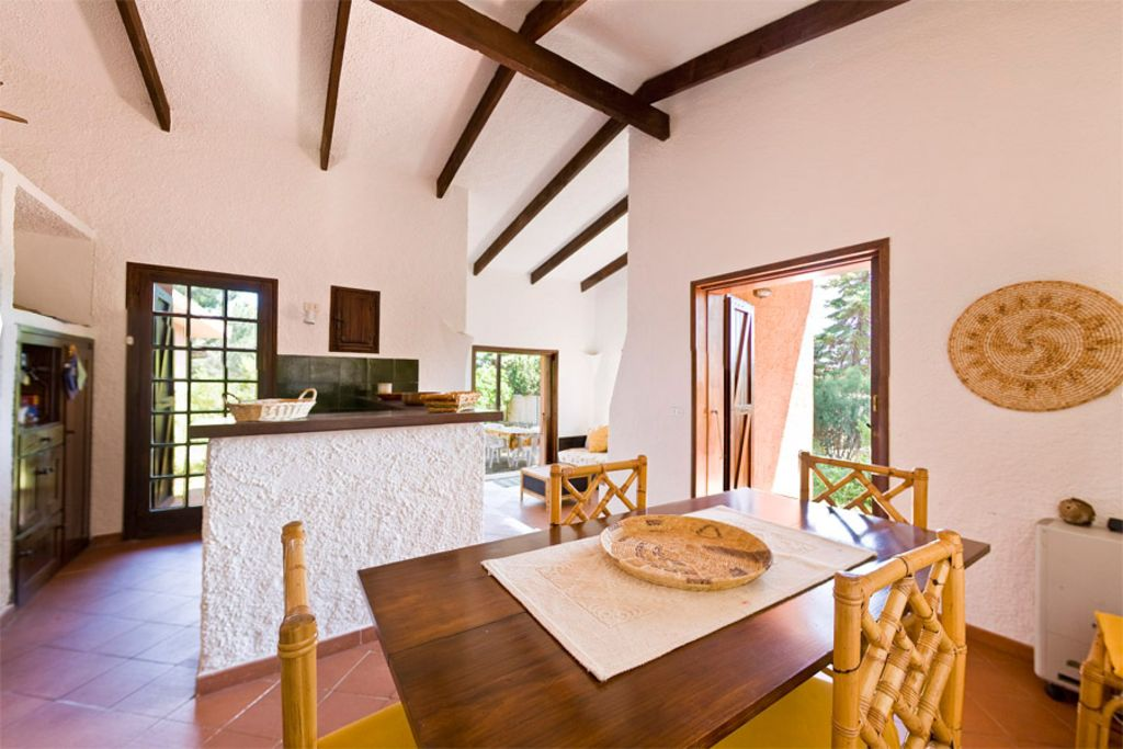Accommodation near the beach, 80 square meters, with garden