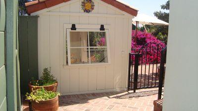 La Mesa cottage rental - 'The Hut'