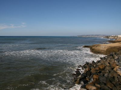 "Nearby Sunset Cliffs, with scenic ""Postcard & Wedding worthy views!"
