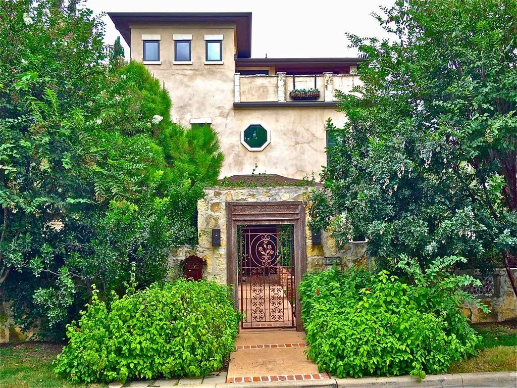 BEAUTIFUL VILLA DOWNTOWN AUSTIN! Gorgeous Outdoor Area | Discounted Summer Rates