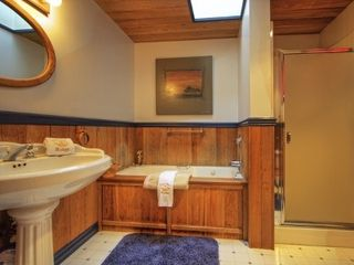 Tacoma house photo - Full master suite bathroom