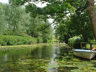 Quiet Countryside With Large Private Garden & Rowing Boat - Fishing Permitted