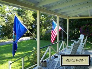 Brunswick cottage photo - Porch Flags