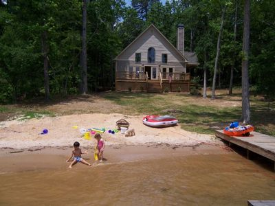 3BR Waterfront Vacation Home in Eatonton, GA - Exterior
