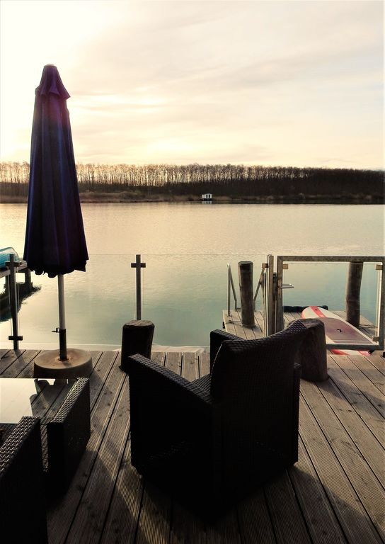 Pure relaxation on Hainer lake near Leipzig