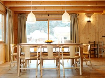 Chalet des Liarets 4 Dining for 8