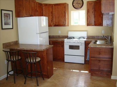 Fully equipped kitchen, with fridge, ice-maker, microwave, coffee maker, etc..