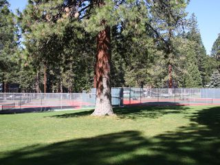 Lake Almanor house photo - Tennis courts and it is a nice bike ride, only 1.5 miles from the house.