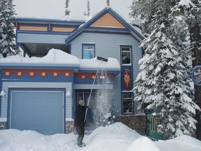 Premium Stand-Alone Beauty. Close To Village. Ski-in Ski-out.  Top Quality!