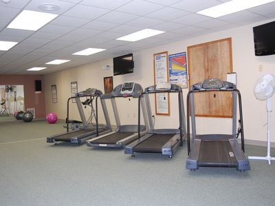 Lincoln condo rental - Cardiovascular Exercise Room