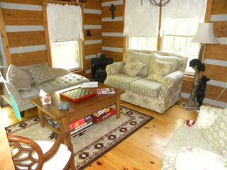 Berkeley Springs house photo - Comfortable living room to play games and reconnect with family.