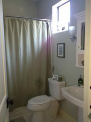 Austin townhome photo - A guest bath has all the amenities of a five star hotel