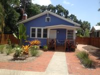 **Restored 1925 Bungalow in Downtown Historic District    *Walk to Downtown *
